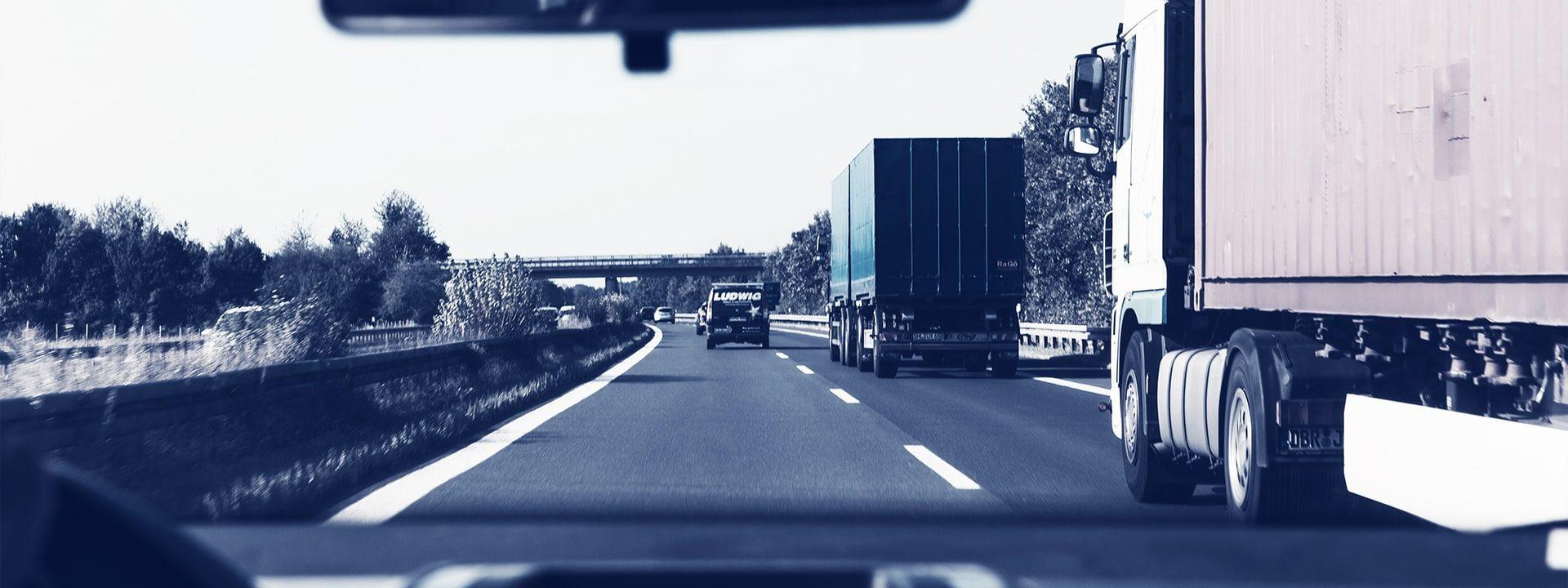 automotive-cars-expressway-172074b
